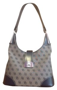 Dooney & Bourke & Handbag Leather Like New Shoulder Bag