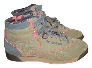 Reebok Olive Green, Charcoal, Neon Pink Athletic