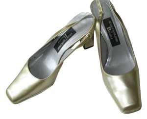 Stuart Weitzman Square Toe Block Heel Slingback Cocktail Workwear Warm metallic Pumps