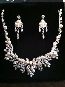 Crystal and Pearl Silver Clear Freshwater Floral Necklace Earrings Jewelry Set