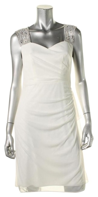 Item - Ivory Above Knee Cocktail Dress Size Petite 10 (M)
