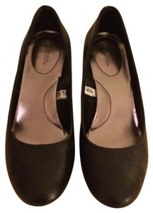 Merona Black Pumps