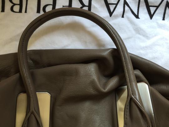 Banana Republic Slouch Satchel in Taupe Image 11