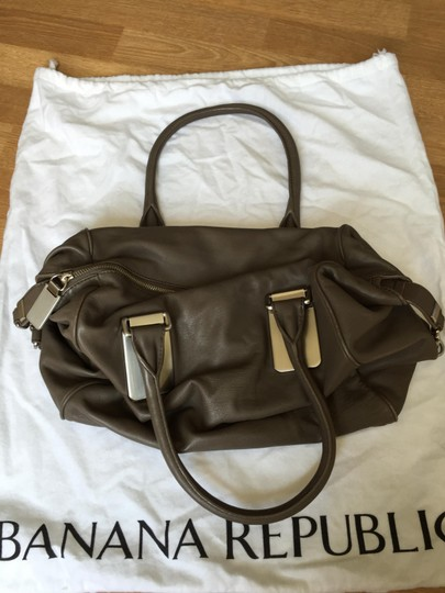 Banana Republic Slouch Satchel in Taupe Image 9