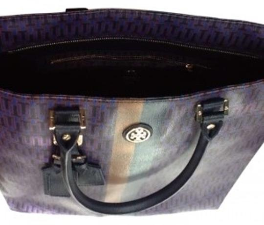 Preload https://item4.tradesy.com/images/tory-burch-roslyn-square-parisian-blue-coated-canvas-tote-185113-0-0.jpg?width=440&height=440