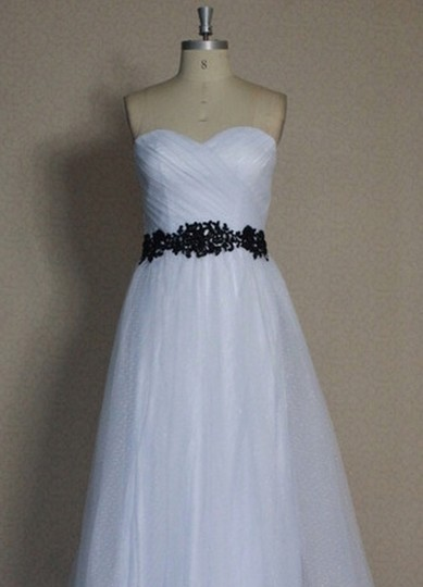 White Point D'esprit Tulle Strapless Sweetheart Illusion Overlay Ballgown Formal Wedding Dress Size 6 (S) Image 10