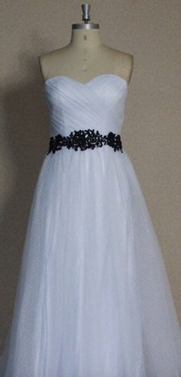 White Point D'esprit Tulle Strapless Sweetheart Illusion Overlay Ballgown Formal Wedding Dress Size 6 (S) Image 2