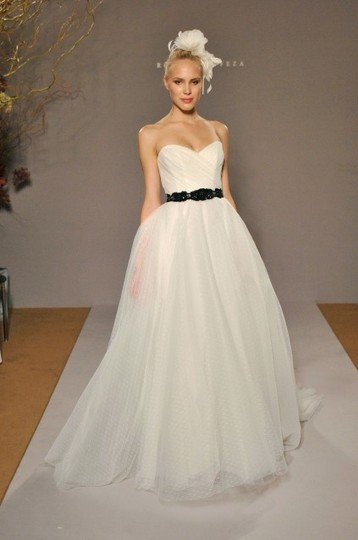 White Point D'esprit Tulle Strapless Sweetheart Illusion Overlay Ballgown Formal Wedding Dress Size 6 (S) Image 3
