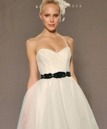 White Point D'esprit Tulle Strapless Sweetheart Illusion Overlay Ballgown Formal Wedding Dress Size 6 (S) Image 7