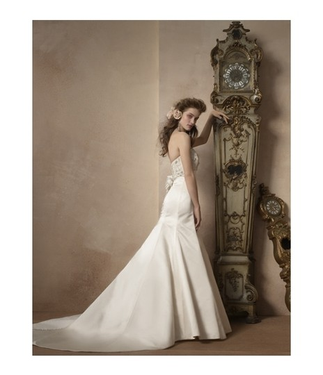 Alvina Valenta Ivory Silk Duchess Satin Mermaid 9707 Beaded Empire Strapless 8/10 Modern Wedding Dress Size 8 (M)