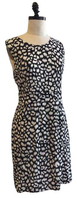 Preload https://img-static.tradesy.com/item/18513082/bcbgmaxazria-black-and-white-bcbg-above-knee-workoffice-dress-size-12-l-0-1-650-650.jpg