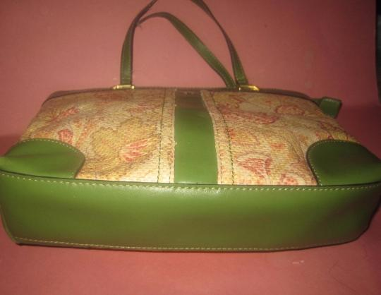 Etienne Aigner Multiple Compartment Great Everyday Gold Hardware Rare Raffia/Leather Excellent Vintage Satchel in green leather and red & pink floral woven raffia Image 1