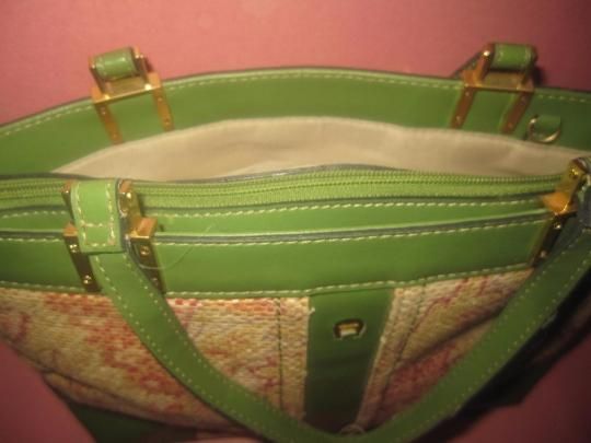 Etienne Aigner Multiple Compartment Great Everyday Gold Hardware Rare Raffia/Leather Excellent Vintage Satchel in green leather and red & pink floral woven raffia Image 2