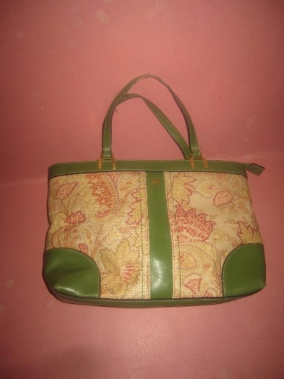 Etienne Aigner Multiple Compartment Great Everyday Gold Hardware Rare Raffia/Leather Excellent Vintage Satchel in green leather and red & pink floral woven raffia Image 4