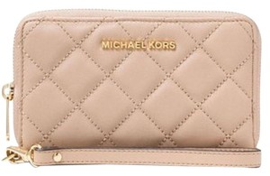 Michael Kors MICHAEL KORS Jet set travel Quilted Wallet phone case Wristlet NWT