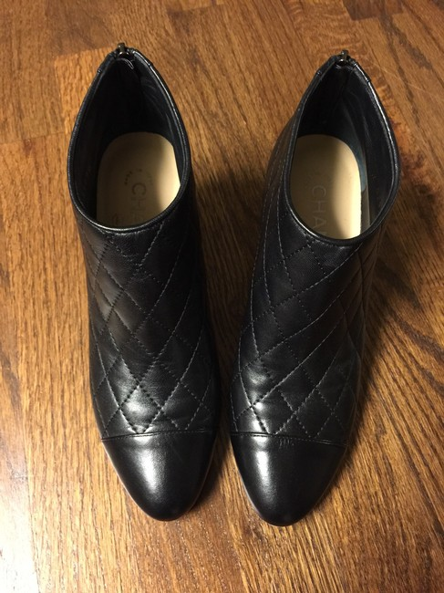 Item - Black Quilted Lambskin Boots/Booties Size US 7.5 Regular (M, B)