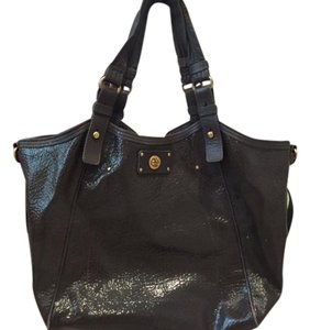 Marc by Marc Jacobs Tote in Beige/ Grey Patent Leather