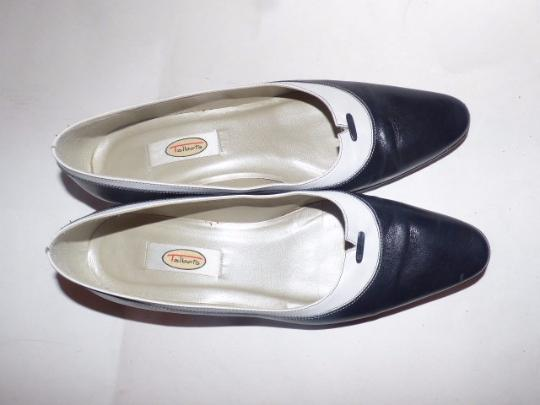 Talbots Dressy Or Casual 40's Rockabilly Look Nautical Look Excellent Condition Color Block Style navy and white leather Flats Image 3