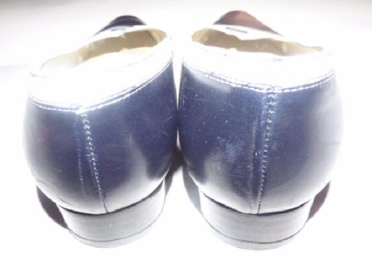 Talbots Dressy Or Casual 40's Rockabilly Look Nautical Look Excellent Condition Color Block Style navy and white leather Flats Image 4