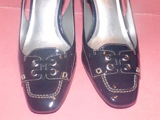 Talbots Dressy Or Casual 40's Rockabilly Look Nautical Look Excellent Condition Slingback navy patent leather Pumps Image 4