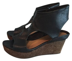 Coclico Black Wedges