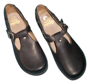 Basics Handmade Handmade Leather Comfortable Sturdy Black Leather Flats