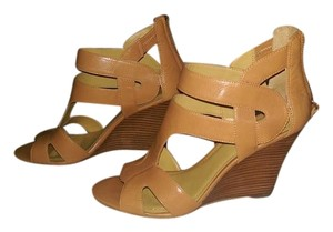 Nine West Tan/Beige Wedges