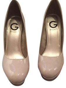 Guess Light Natural LL Pumps