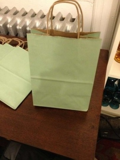 Preload https://item5.tradesy.com/images/sage-green-40-gift-bags-185259-0-0.jpg?width=440&height=440