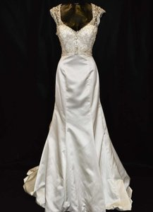 3805 Wedding Dress