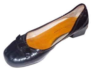 Marc by Marc Jacobs Dressy Or Casual Retro Look black patent leather Flats