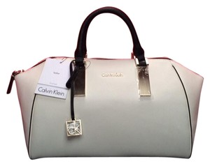 Calvin Klein Satchel in Jordan white