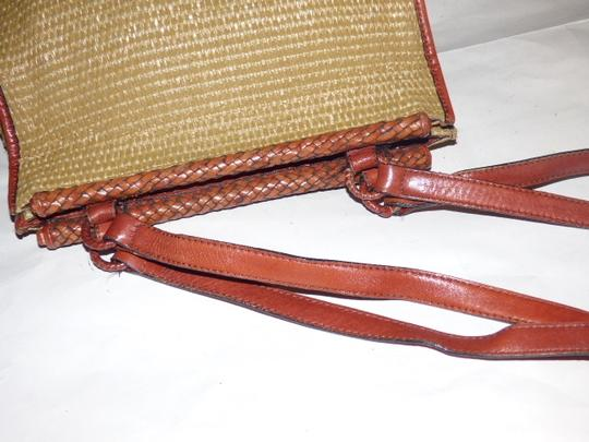 Etienne Aigner Great Everyday Rare Raffia/Leather Excellent Vintage High-end Bohemian Exterior Pocket Satchel in chestnut brown leather and natural woven raffia Image 10