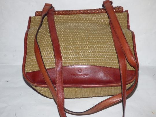 Etienne Aigner Great Everyday Rare Raffia/Leather Excellent Vintage High-end Bohemian Exterior Pocket Satchel in chestnut brown leather and natural woven raffia Image 3