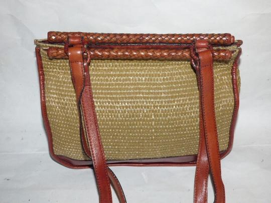 Etienne Aigner Great Everyday Rare Raffia/Leather Excellent Vintage High-end Bohemian Exterior Pocket Satchel in chestnut brown leather and natural woven raffia Image 4