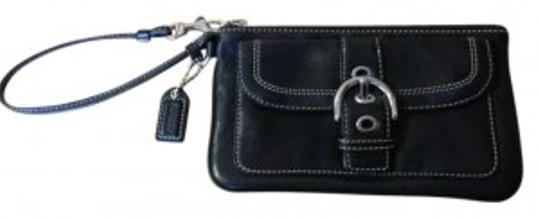 Preload https://item2.tradesy.com/images/coach-black-leather-wristlet-185311-0-0.jpg?width=440&height=440