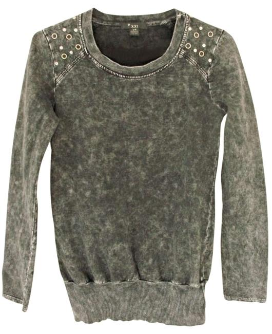 Preload https://item3.tradesy.com/images/forever-21-grey-sweaterpullover-size-6-s-185317-0-0.jpg?width=400&height=650