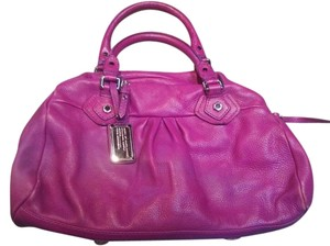 Marc Jacobs Pebbled Leather Pink Q Groove Satchel in Fuchsia