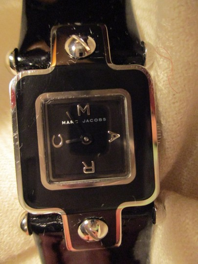 Marc by Marc Jacobs patent leather band Image 1