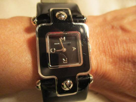 Marc by Marc Jacobs patent leather band Image 11