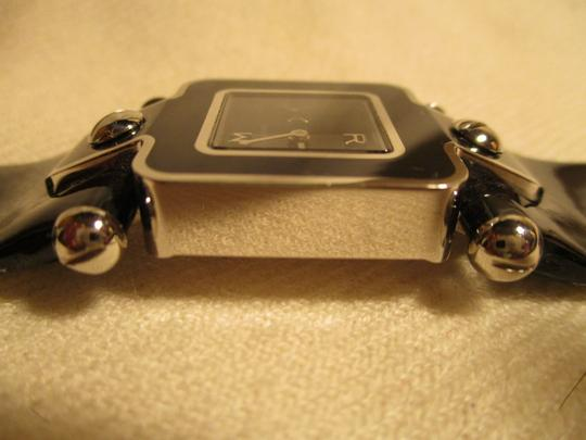 Marc by Marc Jacobs patent leather band Image 4