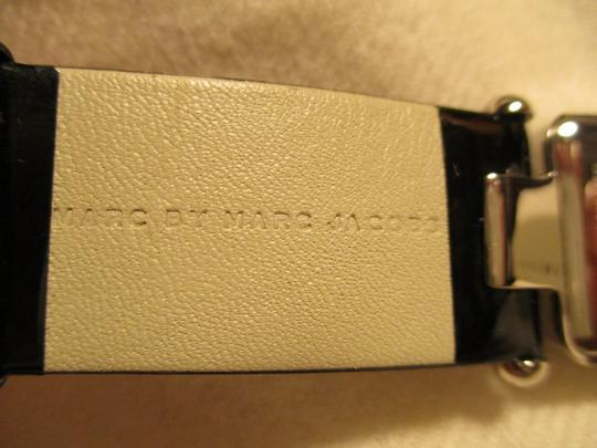 Marc by Marc Jacobs patent leather band Image 5