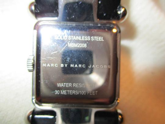 Marc by Marc Jacobs patent leather band Image 8