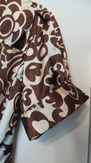 BCBGMAXAZRIA Bcbg Medium Silky Wrap New Top Brown & off-white Image 2