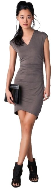 Item - Gray / Smoke New Silk V-neck Flattering Ruching Knee Length Night Out Dress Size 12 (L)