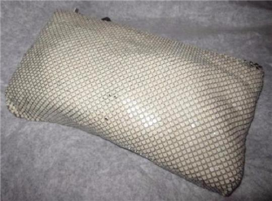 Whiting & Davis Early-mid 20th Cen. Zip Perfect Evening Classic W&d Cream Enamel Mesh Chainmaille Clutch Image 4