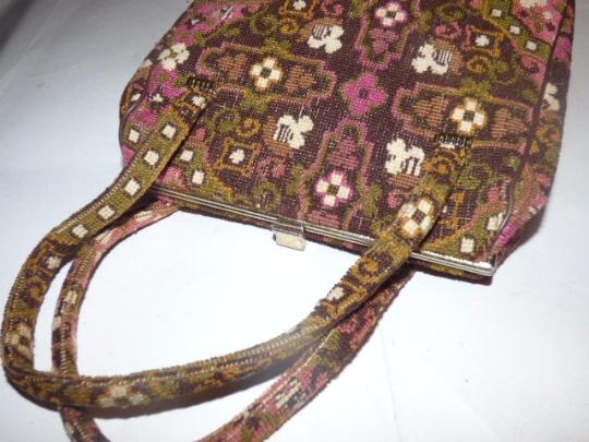 Other Early-mid 20th Cen. Floral Tapestry Intricate Print Hinged Opening Excellent Vintage Satchel in pinks, browns, greens Image 4