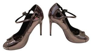 Betsey Johnson Metallic Rose Gold Pumps