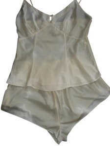 Victoria's Secret Sexy Sleepwear 100% Silk 2 Pc Top Ivory