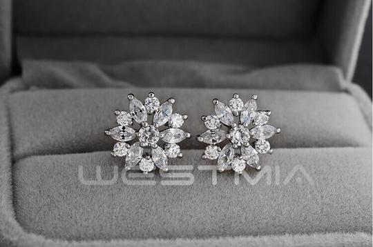 9.2.5 New Dangle Flower Cz Silver New Crystal Stud Earrings Image 0